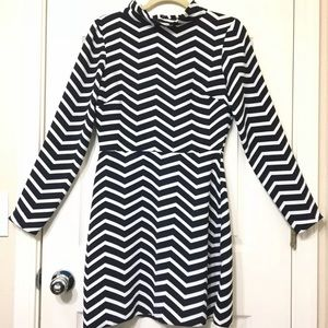 ASOS dress chevron long sleeve sz 6 US/ 10 UK
